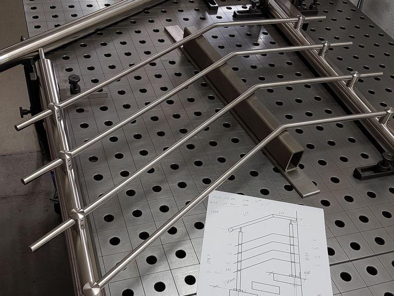 Wir schweißen Stahl - Edelstahl und Aluminium auf verschiedenen Schweißtischen und unterschiedlichen Spannvorrichtungen